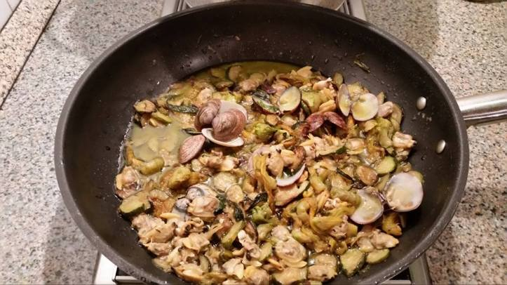 vongole zucchine e fiori di zucca